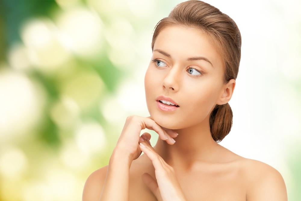 DermaSpray Intensive е спрей за суха кожа, който хидратира дермата и помага срещу екзема, дерматит, псориазис.